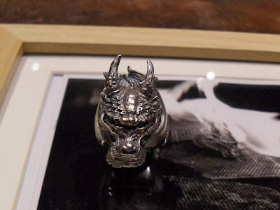 日本銀器品牌Dual Flow的設計師, 喜觀造具動感的設計