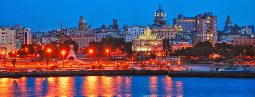 La Habana Vieja de Noche. Cuba ! ! !