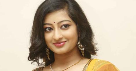 Actress Thanishka photos