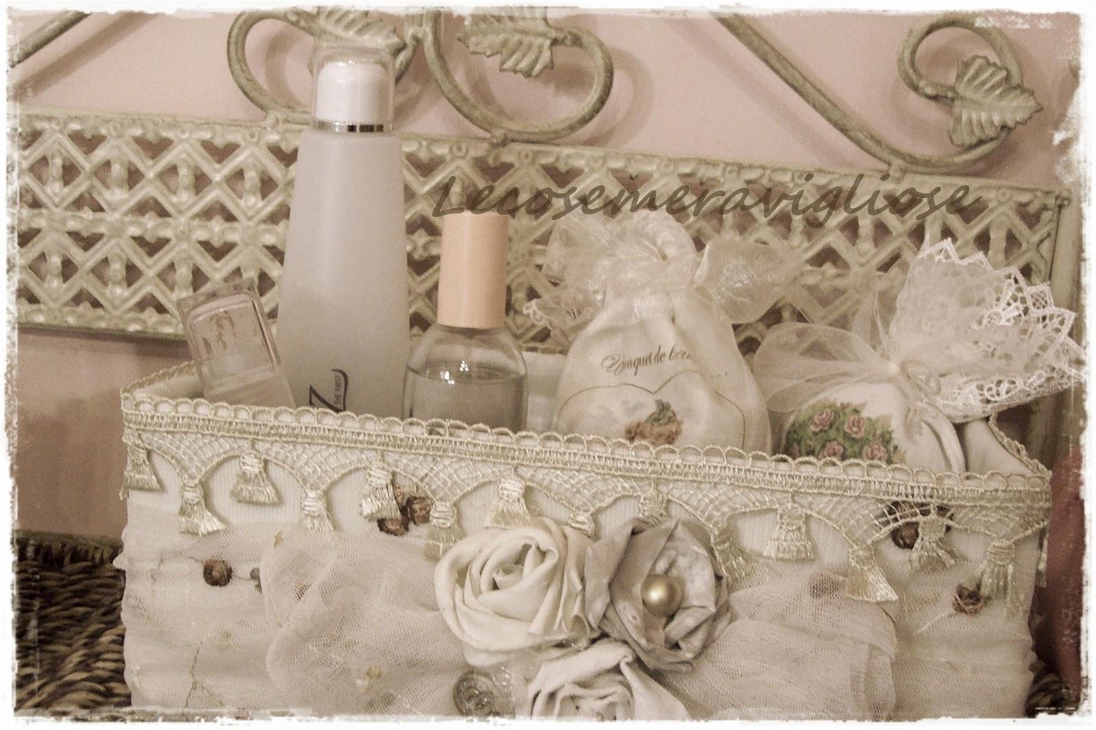 Bagno Stile Romantico : Tende per bagno shabby chic awesome e complementi creativi