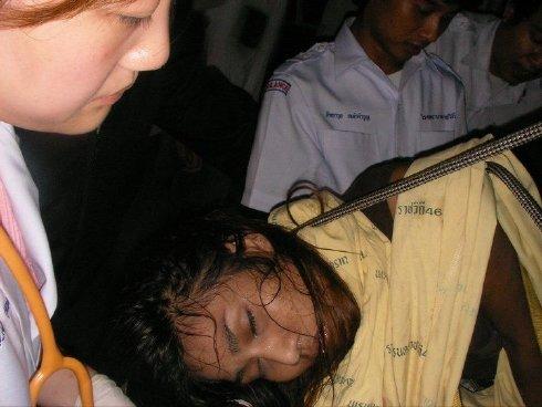Tragis, Perempuan Ini Tewas Tertusuk Pagar Rumahnya