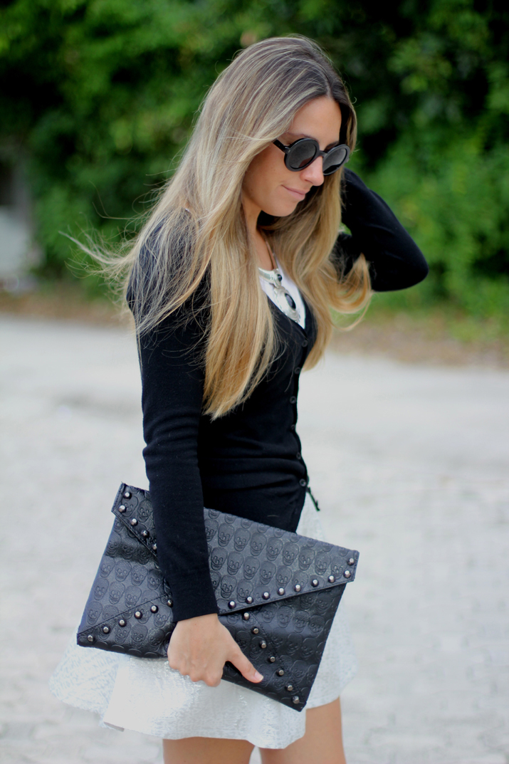 Fashion blogger blonde
