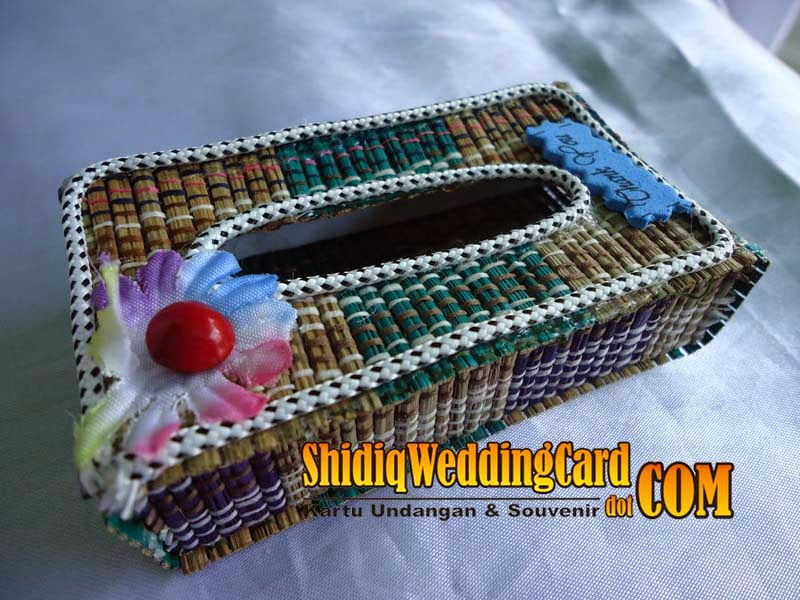 http://www.shidiqweddingcard.com/2014/05/souvenir-tempat-tissu.html