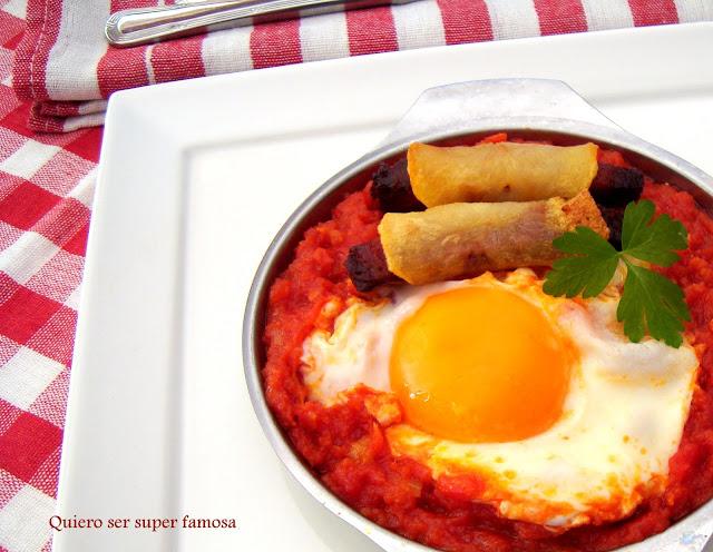 http://cosas-mias-y-demas.blogspot.com.es/2013/05/huevos-fritos-con-tomate-y-chistorra.html