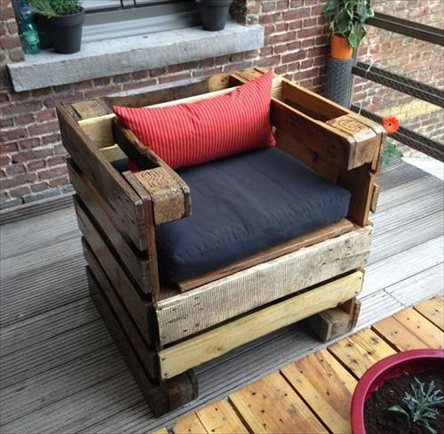 desain kursi dari kayu pallet bekas