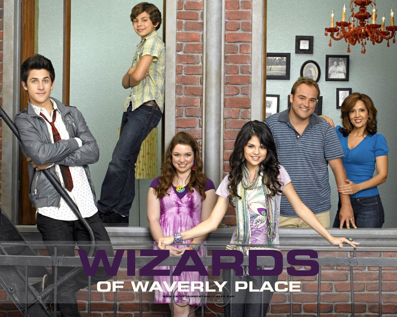 http://1.bp.blogspot.com/-6T31aA_xz6I/UBWqznmttuI/AAAAAAAAAE0/Ec4S8tyahv8/s1600/tv_wizards_of_waverly_place05.jpg