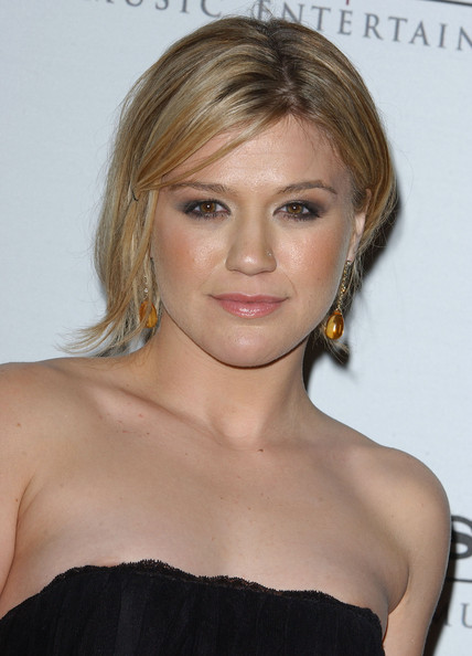 Kelly Clarkson Hair Styles Natural PictureKelly Hairstyle Colour Cream Friendly