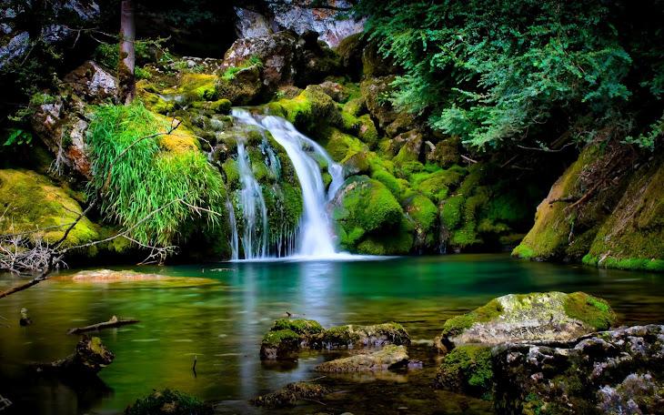 http://1.bp.blogspot.com/-6TK80BA55D0/TzZoo8Mp1wI/AAAAAAAADdg/oy0ONEtDT3M/s730/beautiful_nature_waterfall-wide.jpg