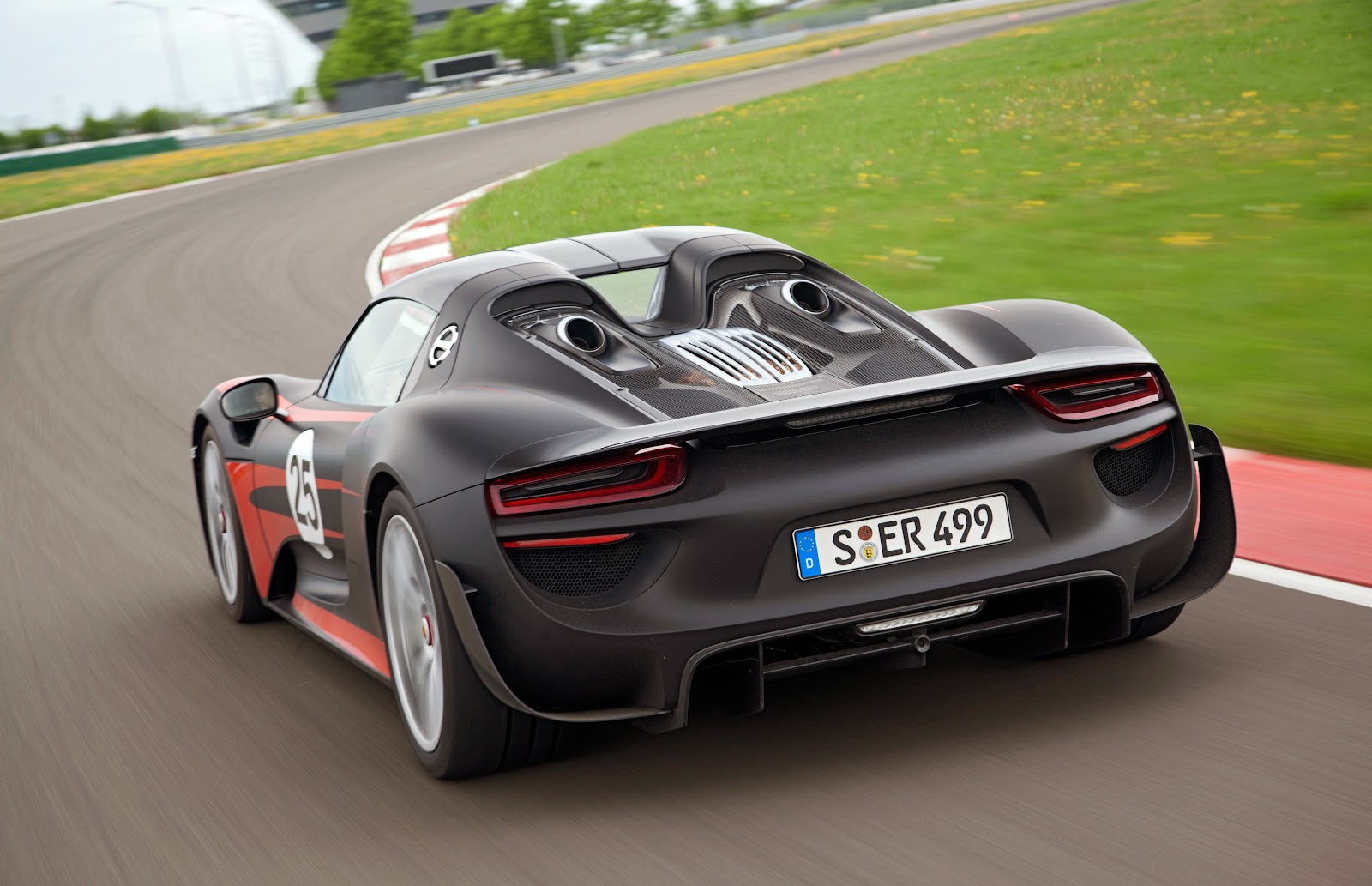 speedmonkey official porsche 918 spyder specs prices and photos. Black Bedroom Furniture Sets. Home Design Ideas