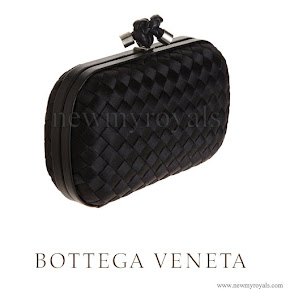 Princess Mary Style bottega veneta black knot intrecciato satin clutch