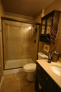 Nice girls rule nice girl small budget bathroom for Really small bathroom remodel ideas