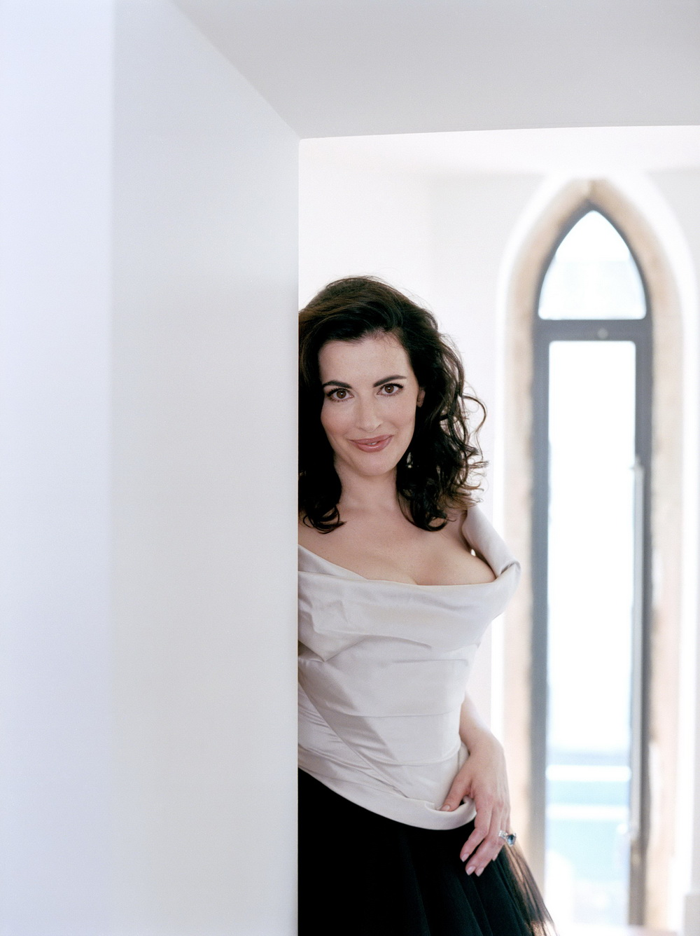 nigella lawsons femininity Nigella lawson is an attractive woman of many achievements but her too-full figure is more likely to inspire exercise than emulation the starkly divergent outcomes of the two british surveys is probably due to the wording of the question.