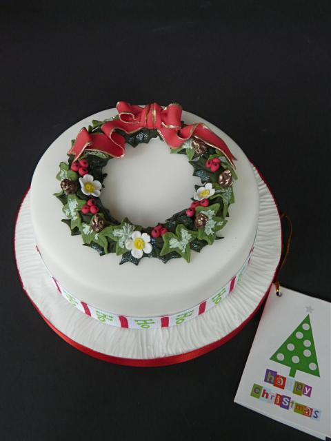 Round Cake Design Ideas : Beauty And The Best  :   - CHRISTMAS CAKES -