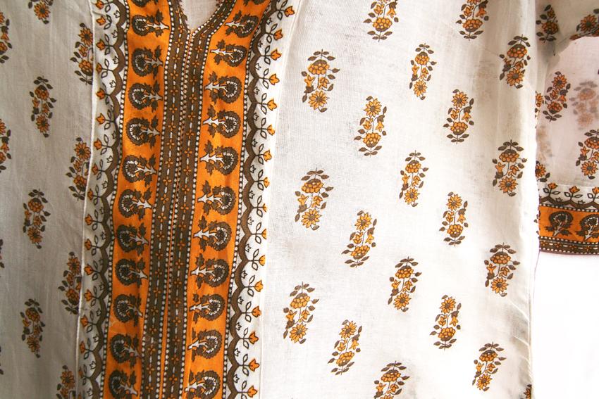 bluza ie alba cu model de floarea soarelui