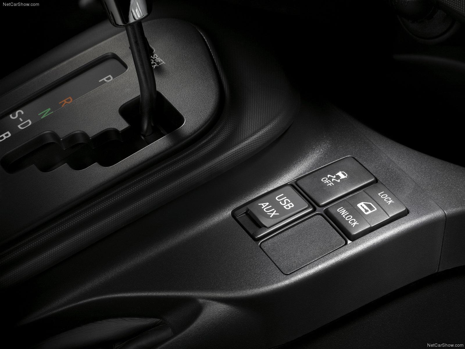 Hình ảnh xe ô tô Scion iQ 2011 & nội ngoại thất