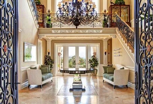 Welcome To Elegant Residences