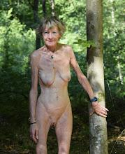 Annick en forêt !