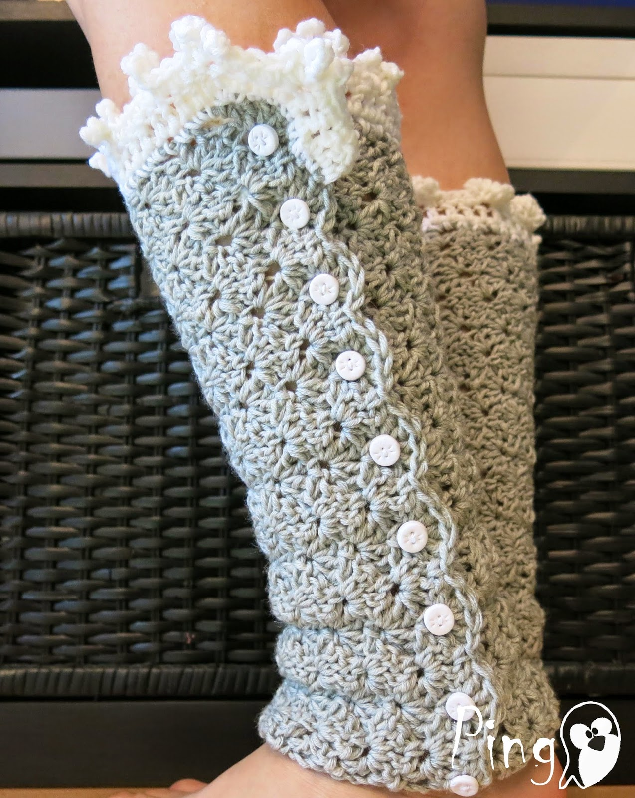 Elegant leg warmers - crochet pattern by Pingo - The Pink Penguin