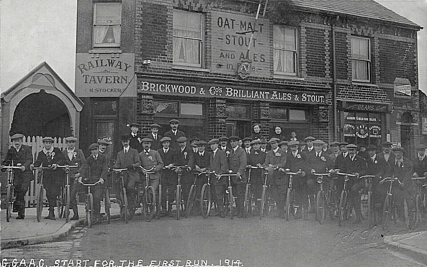 Start of cycle race outside Gosport Road Station