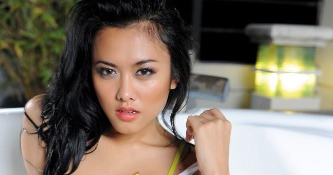Devi Liu Sexy Models