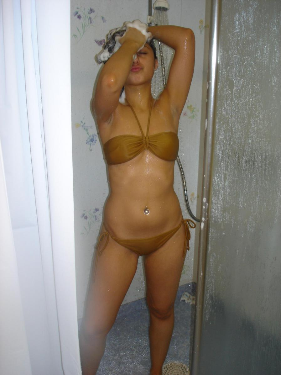 naked women tanning beds
