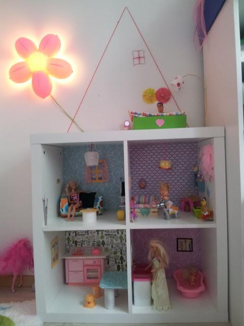 Der bastelblog das barbie puppenhaus - Puppenhaus selber bauen ...