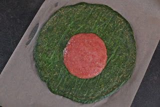 Pizza on the basis of spinach recipe