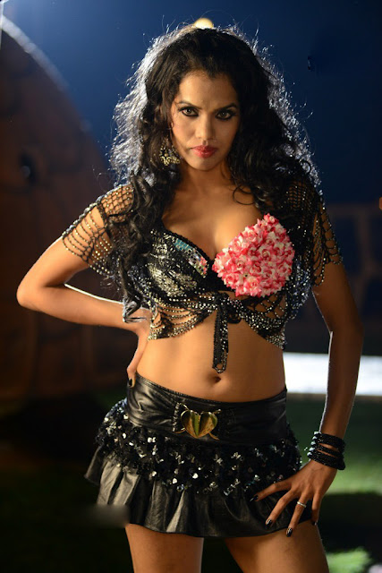 hot actress round navel pics