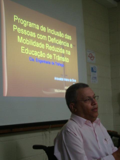 Ari Vieira - EDUCAR E INCLUIR - DESAFIOS DA SOCIEDADE CONTEMPORÂNEA