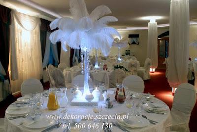 dekoracja zimowego wesela pióra