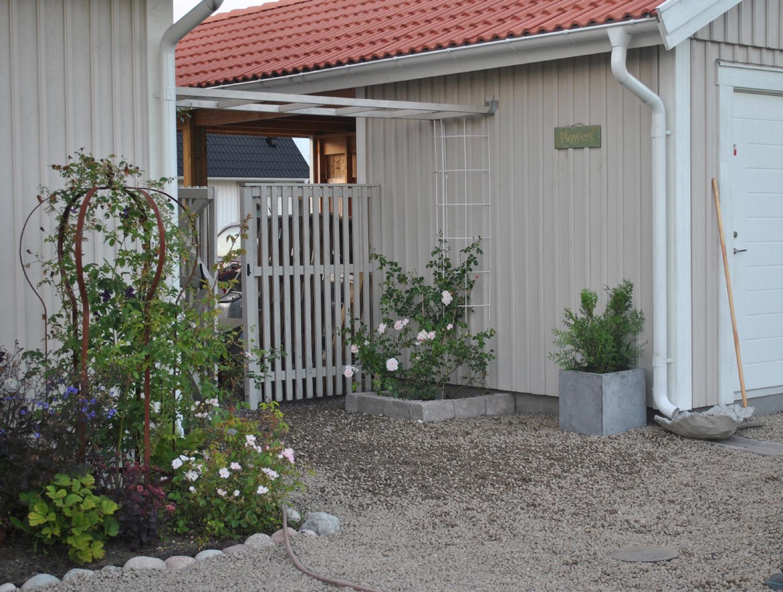 Trädgård Grus : Min rosendröm vi fortsätter lägga grus