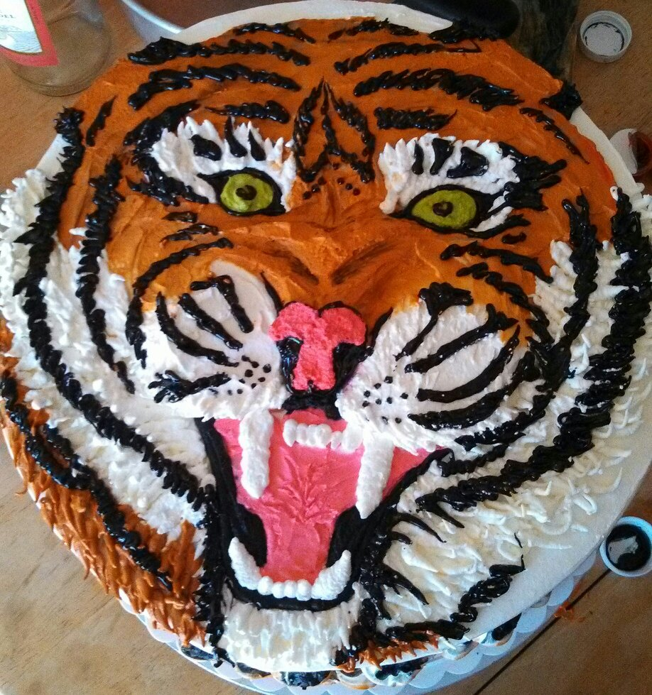 Cake Designs Tiger : Frosted Art: Tiger Cake by Leah