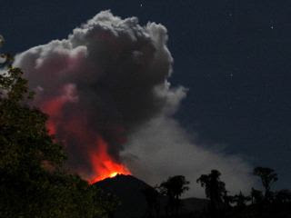 Volcán Reventador, 18 de Noviembre 2012