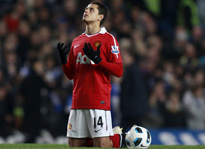 Javier hernandez contract, Chicharito signed a five-year contract renewal with Manchester United