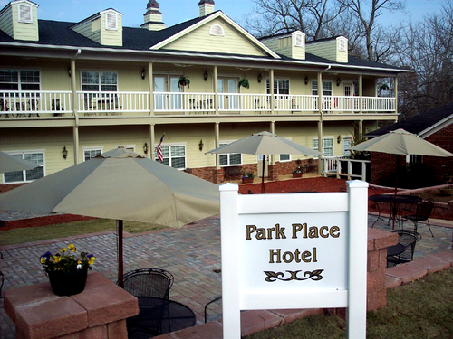 The Smith House Inn Is Famous For More Than Serving Great Family Style Meals Folks Planning To Stay Night In Dahlonega