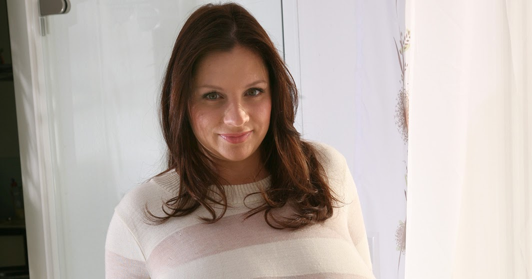 Udderly Amazing: Nadine Jansen - At Home