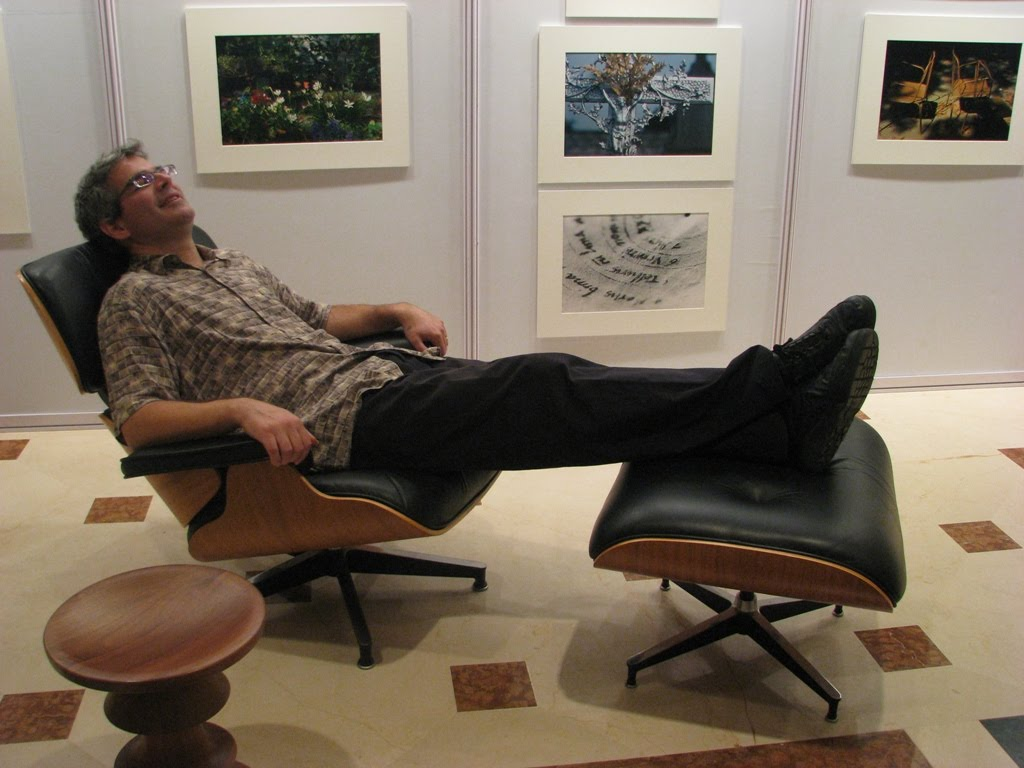 Gentil Eames Demetrios On The Lounge Chair