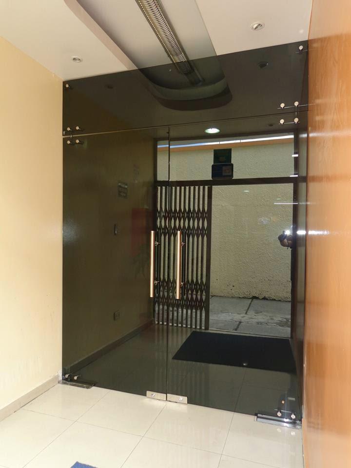 Puertas en vidrio reflecta puertas de vidrio templado - Puertas de vidrios ...