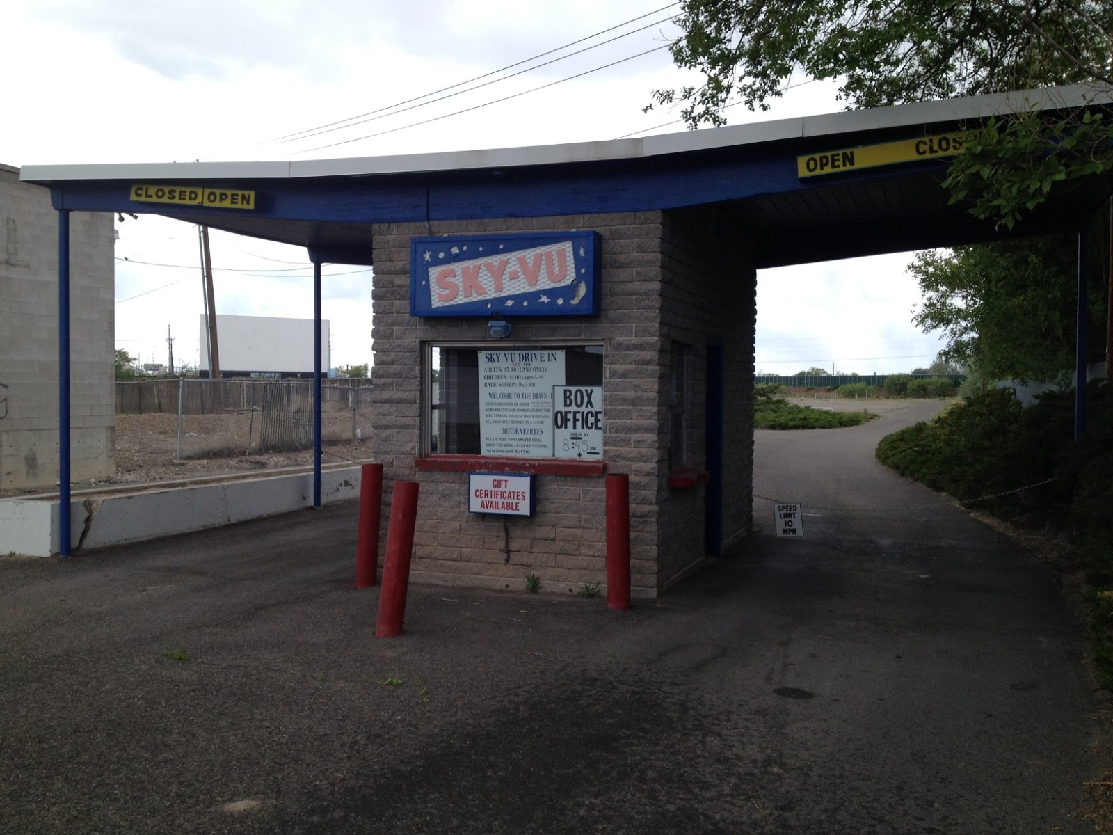 Bizmojo idaho idaho falls drive in theaters open for for Drive in movie theaters still open