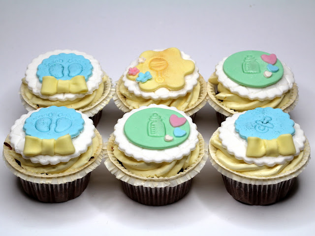 1st birthday cupcakes - london cakes