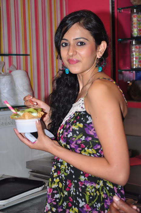 rakul preet singh new @ cream stone ice cream shop
