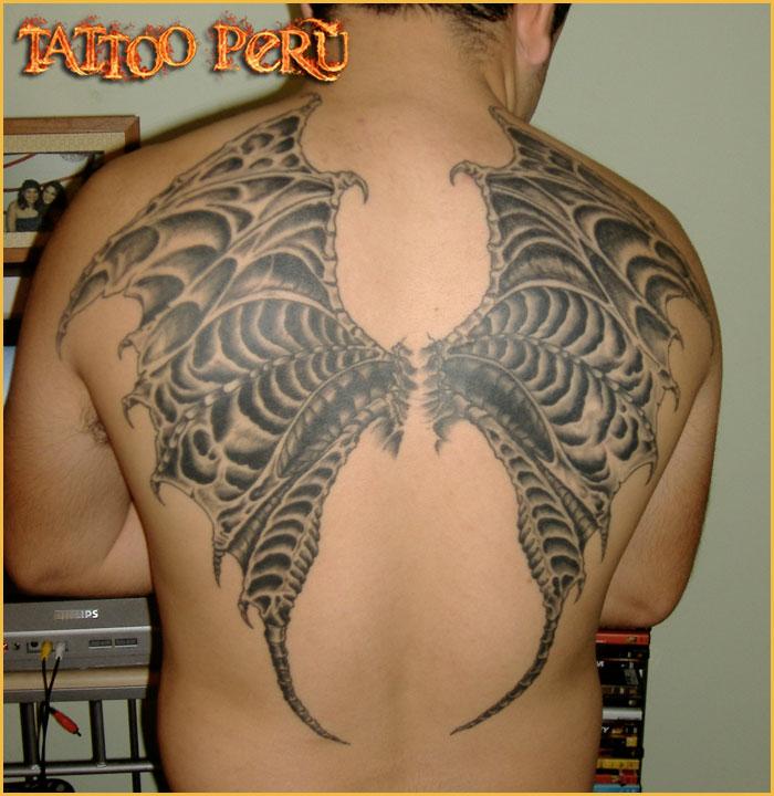 Tatuajes: Consejos antes de hacerse un Tatuaje 01_tatuaje_de_alas_en_la_espalda