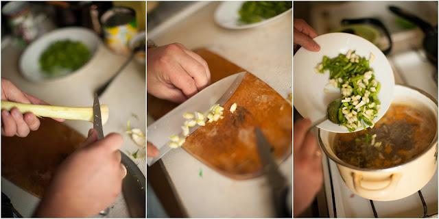 добавляем в овощной бульон сельдерей и стручковую фасоль