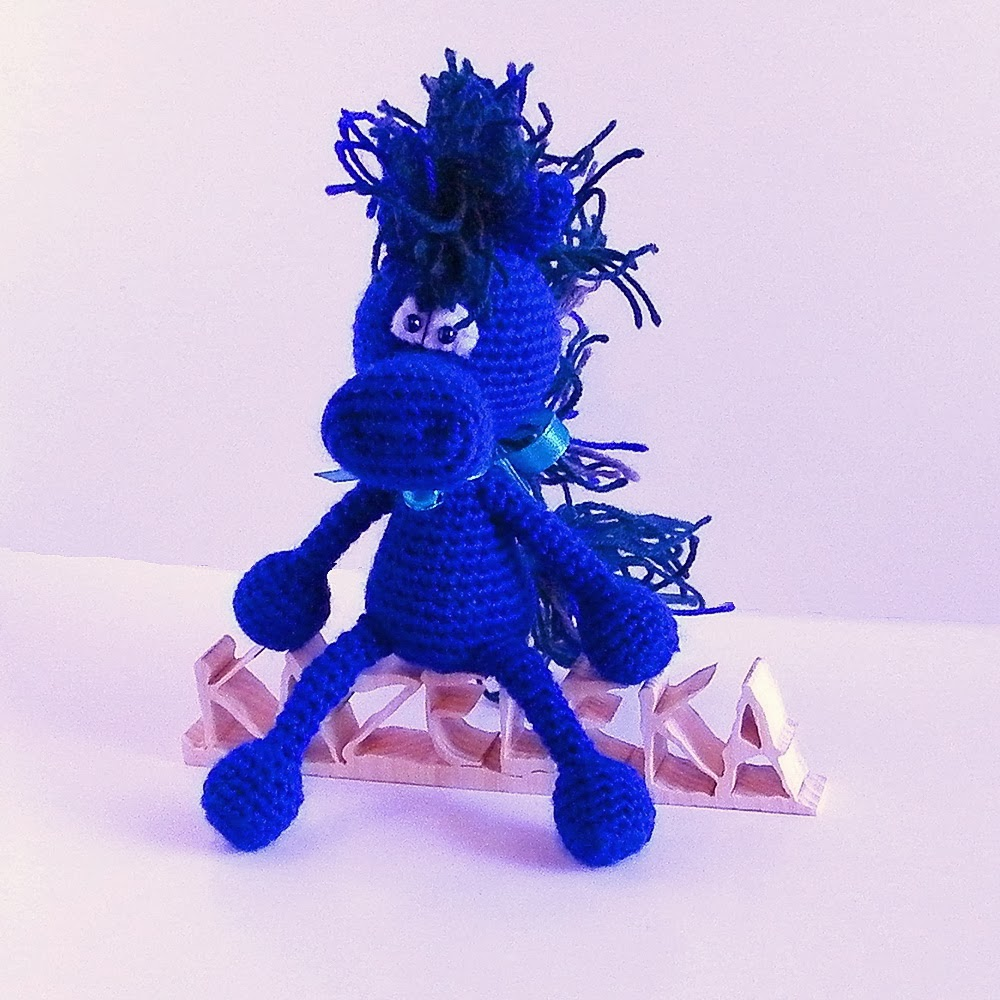 amigurumi blue horse