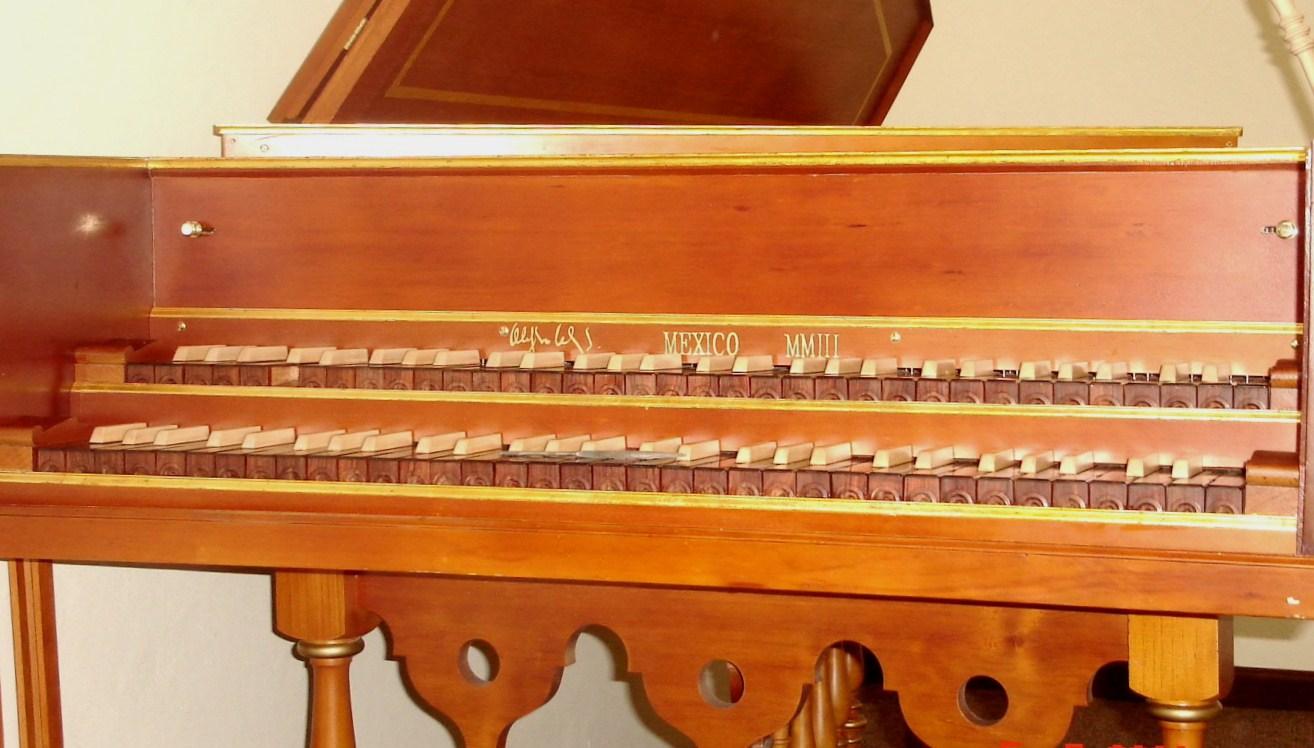 Alejandro v lez teclados de clavecines madera bano con for Madera maple