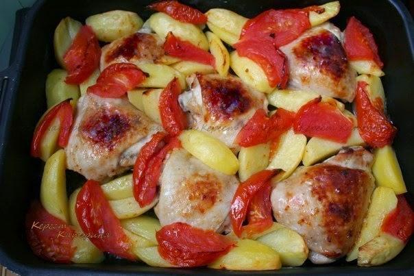 Картошка с помидорами и грибами в духовке рецепт пошагово