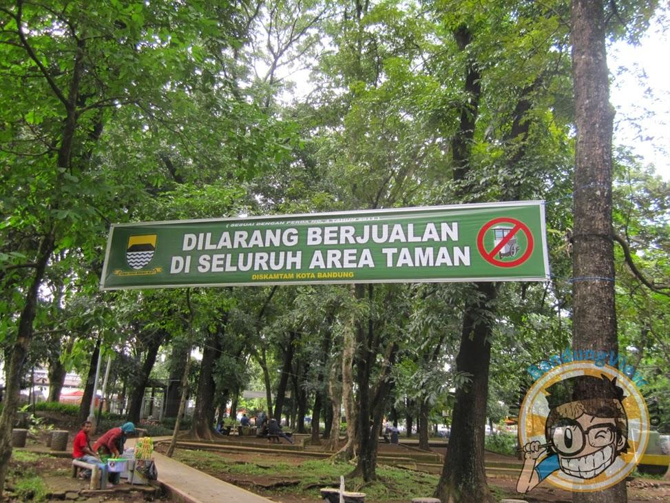 spanduk dilarang berjualan di taman lansia