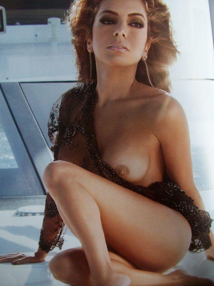 Bellezas Latinas Pilar Montengro Se Desnuda Para Playboy