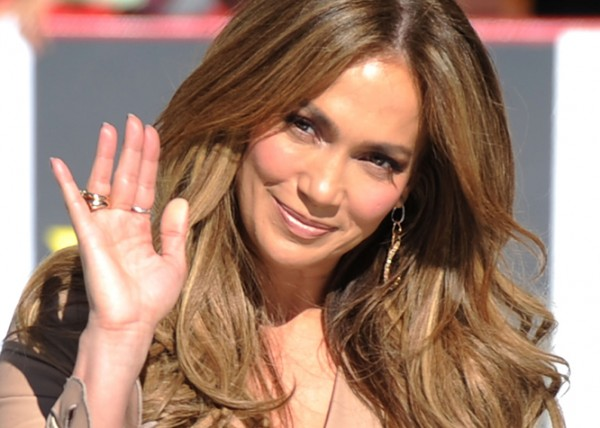 Jennifer Lopez Did Not Quit American Idol Over Salary Dispute