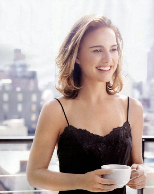 11 Most Beautiful Female Smiles In Hollywood